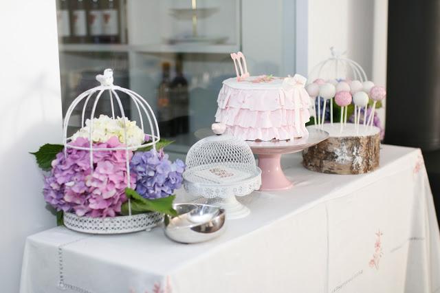 Mesa do Bolo da Festa em Casa rosa